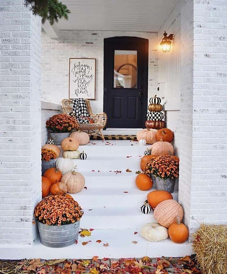 26 Cozy Touches To Beautifully Decorate Your Home For Fall