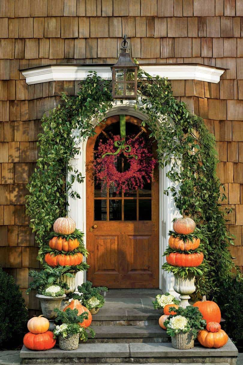 fall-decorated-front-door