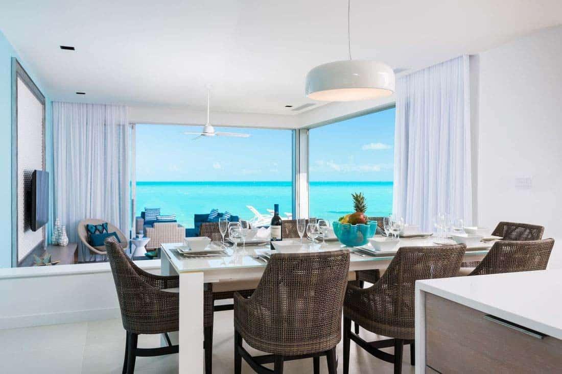 oceanfront-villa-dining-room
