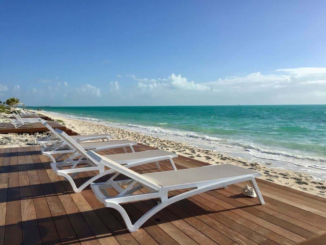 oceanfront-villa-deck