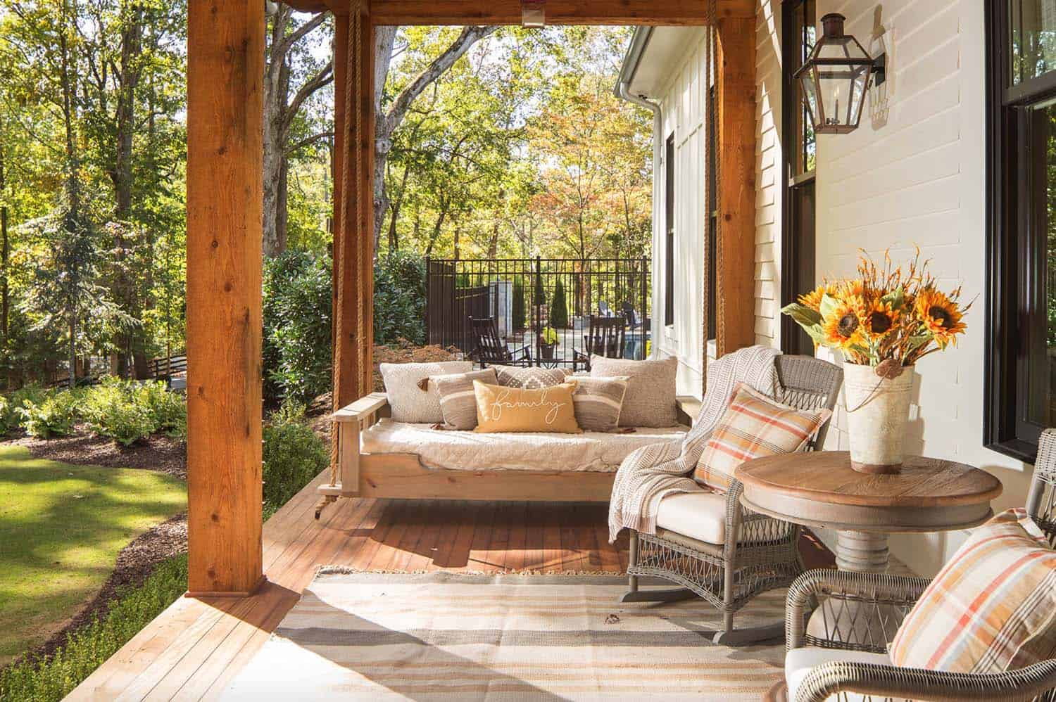 modern-farmhouse-porch