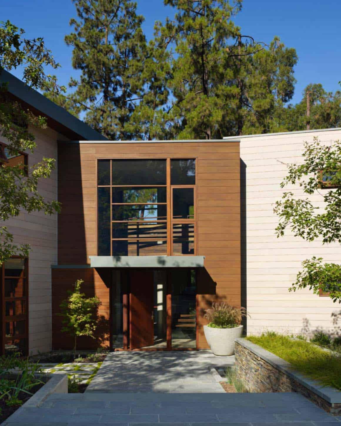 exterior-modern-entry