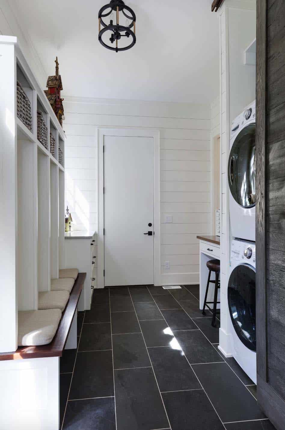 beach-style-laundry-room