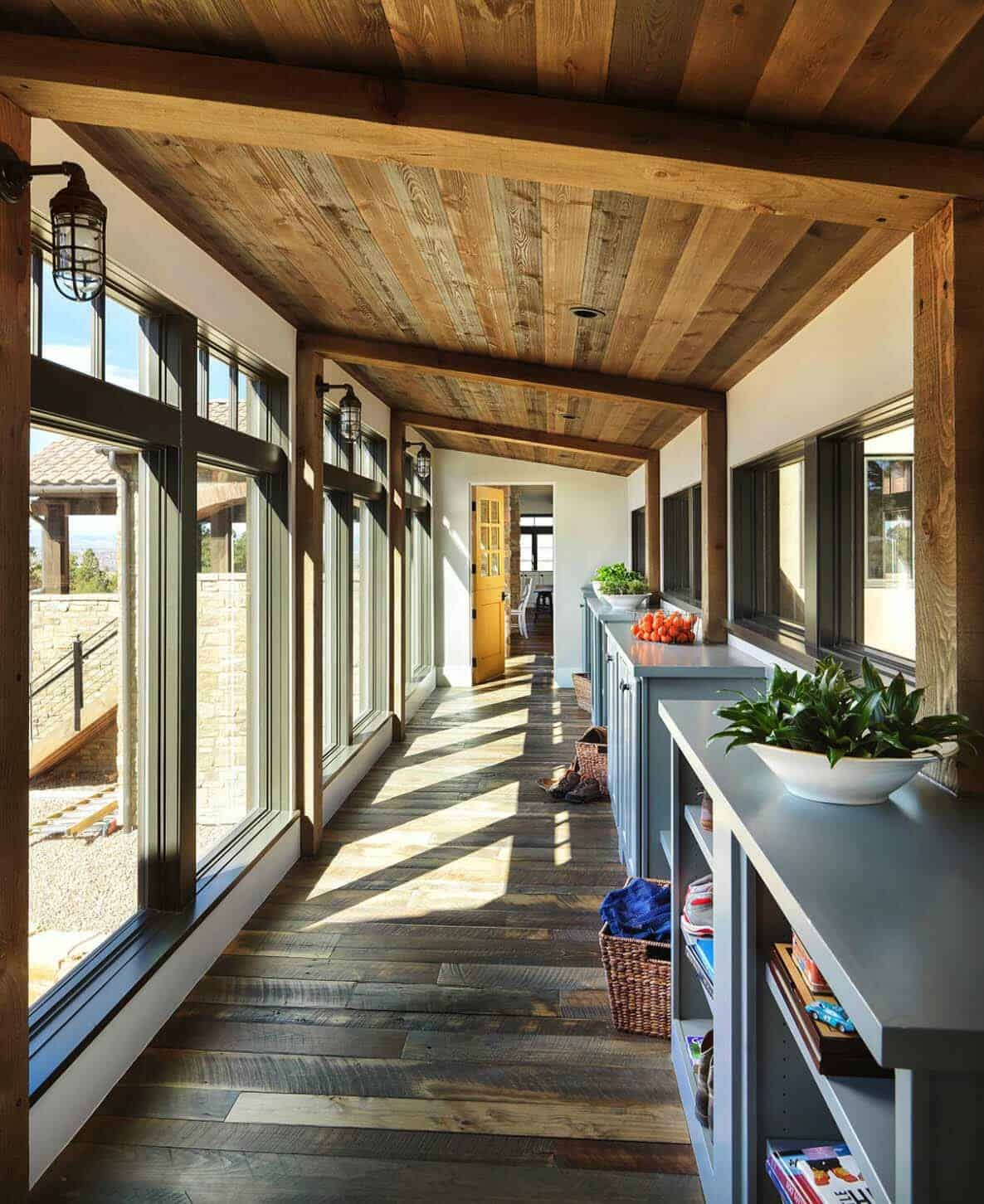rustic-home-hallway