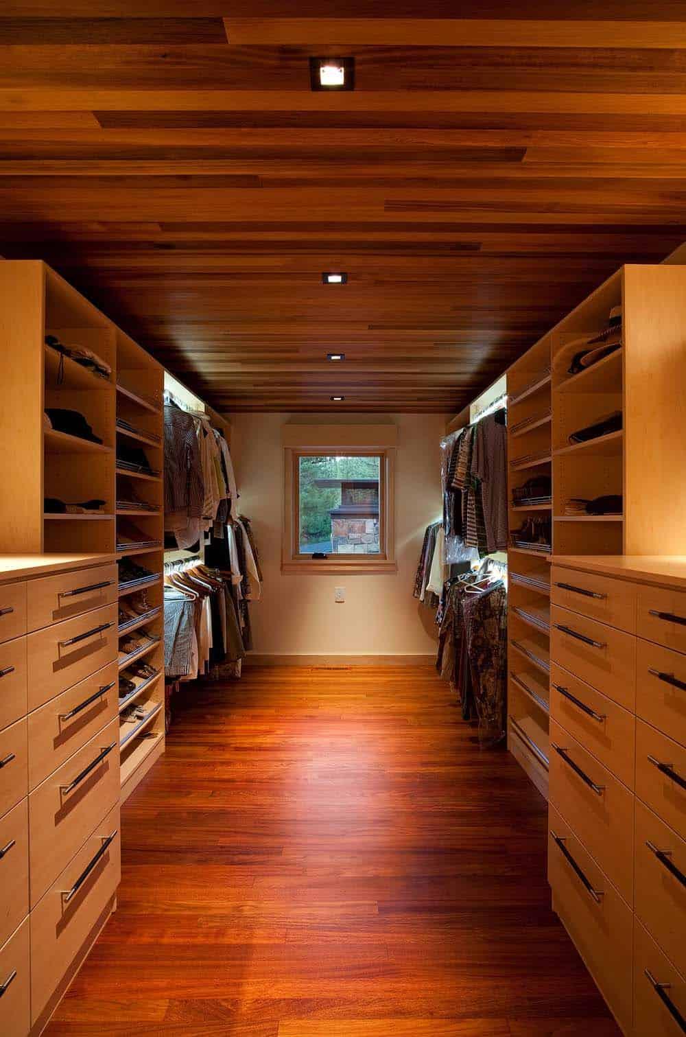 rustic-home-closet
