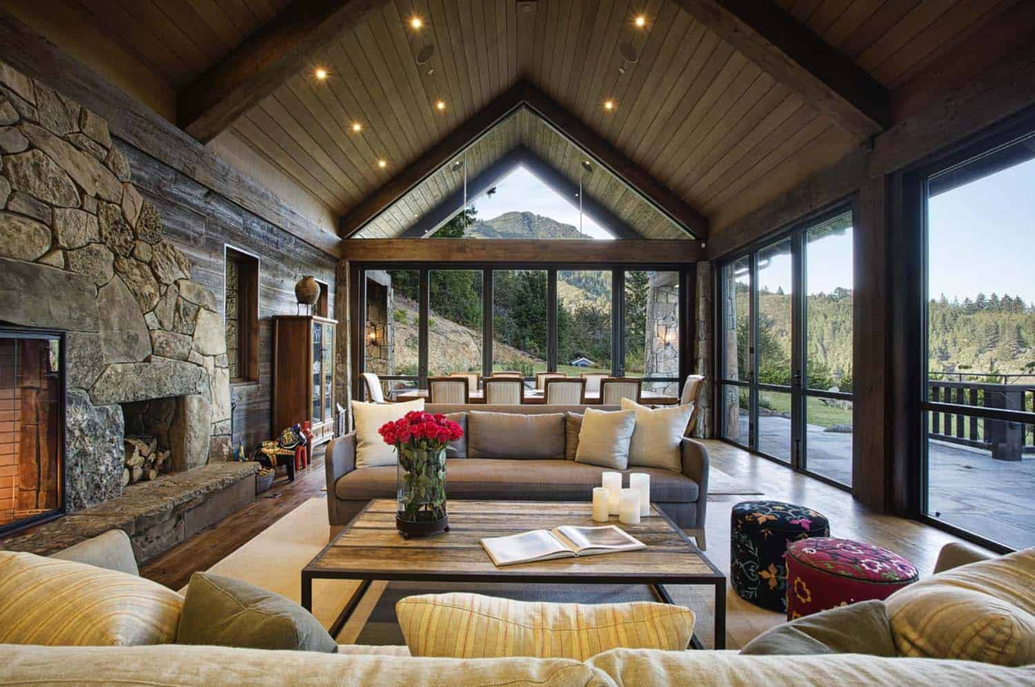 mountain-lodge-rustic-living-room