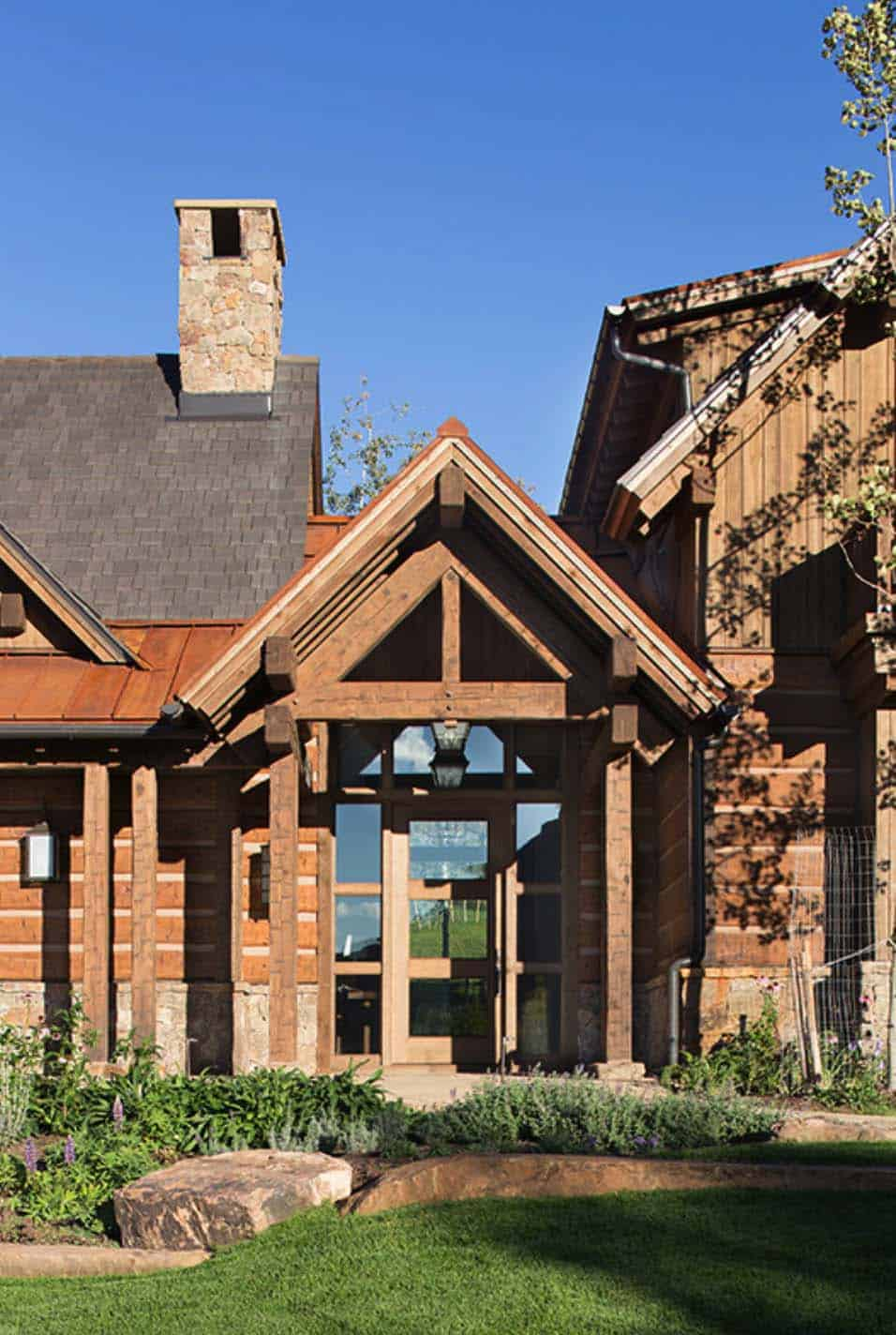 rustic-ranch-home-exterior