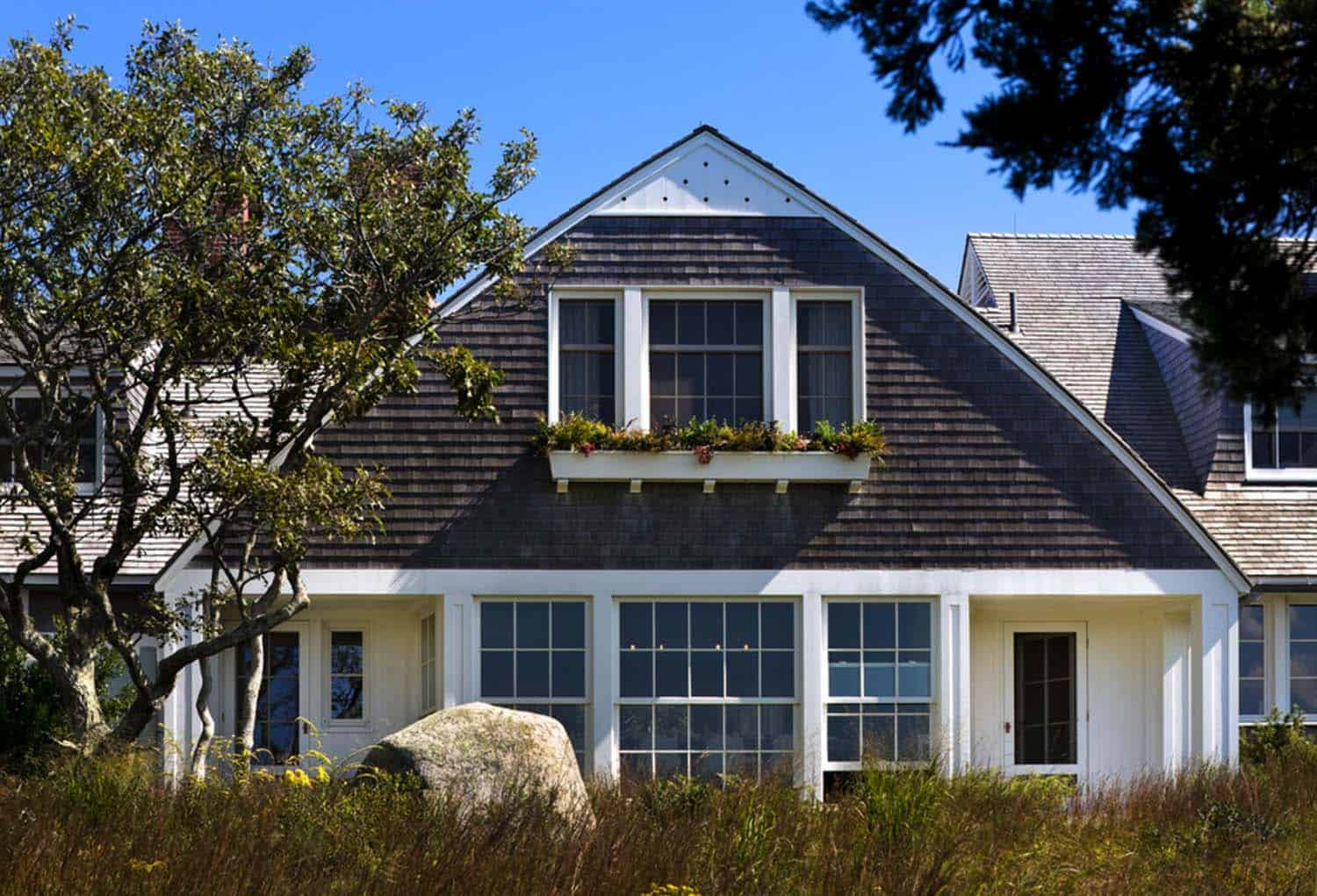 seaside-gable-beach-style-exterior