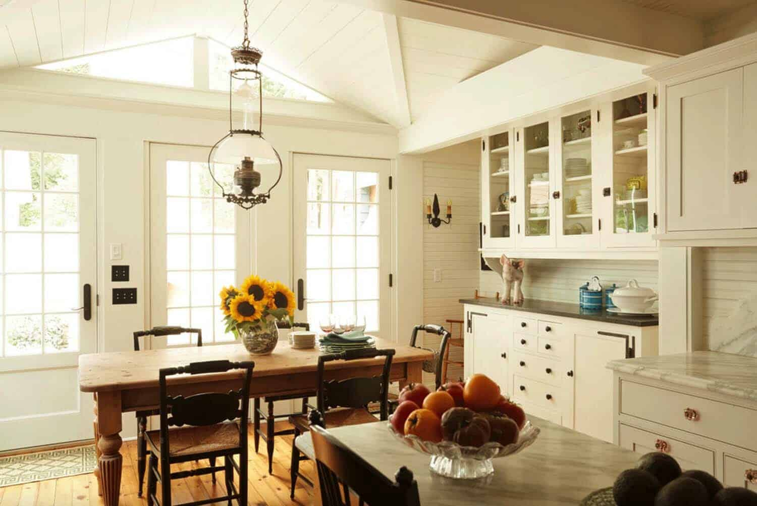 traditional-style-kitchen