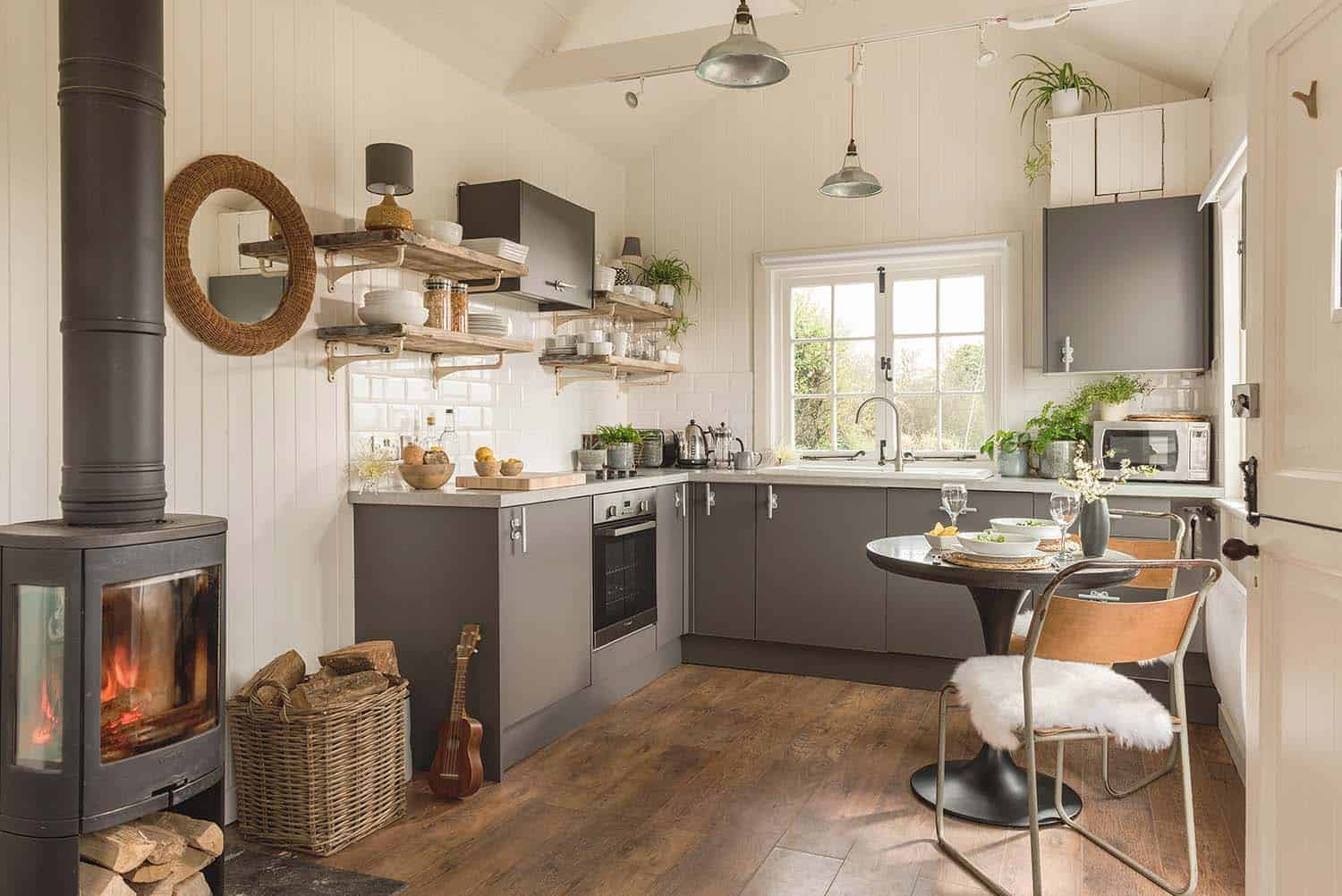 cottage-style-kitchen