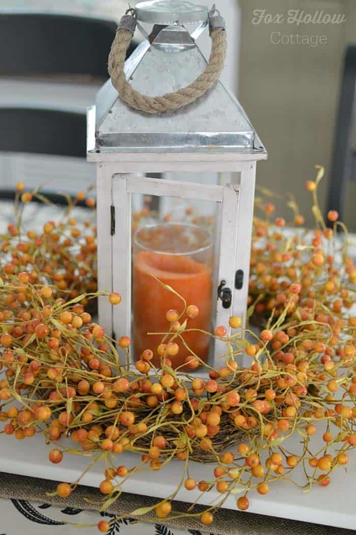 Most beautiful ways to decorate for fall with lanterns