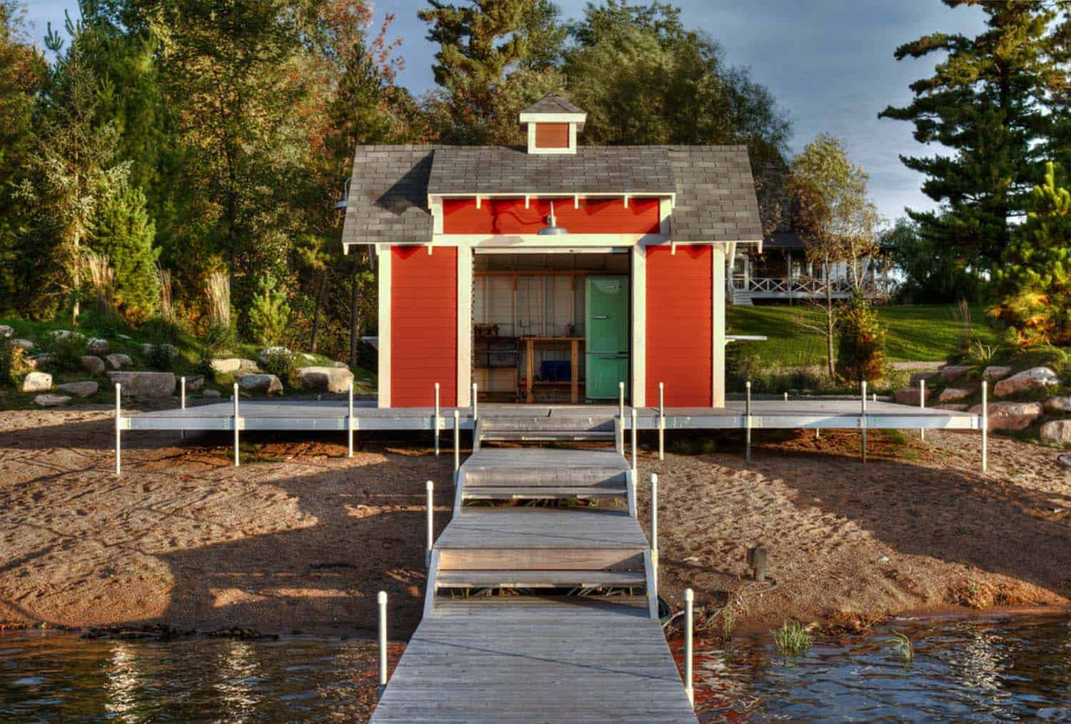 farmhouse-shed-boat-dock