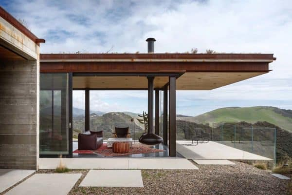 featured posts image for Off-the-grid guest house beckons on the Santa Barbara coast