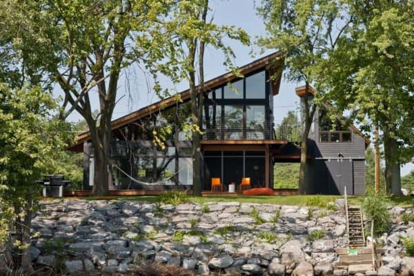 featured posts image for Vermont home designed to take advantage of idyllic lakefront setting
