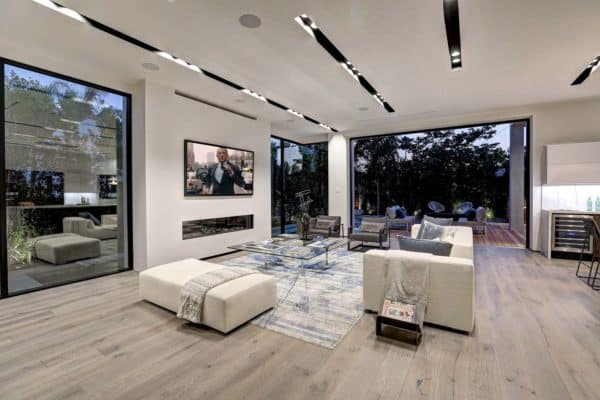 featured posts image for Phenomenal modern home with indoor/outdoor living in Los Angeles