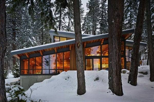featured posts image for Rustic-modern mountain retreat nestled on Lake Wenatchee