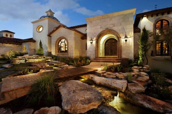 featured posts image for Spanish-modern style home showcases gorgeous details in Texas