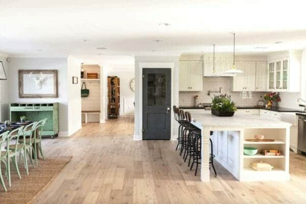 featured posts image for Ranch house in Arizona offers fresh and inspiring makeover