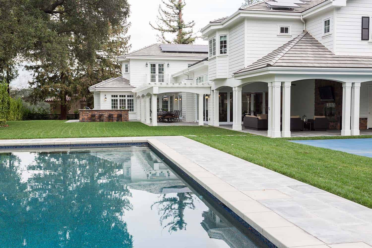 transitional-outdoor-pool