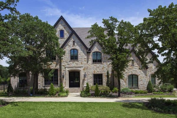 featured posts image for Gorgeous stone clad home with elegant interiors in Southlake, Texas