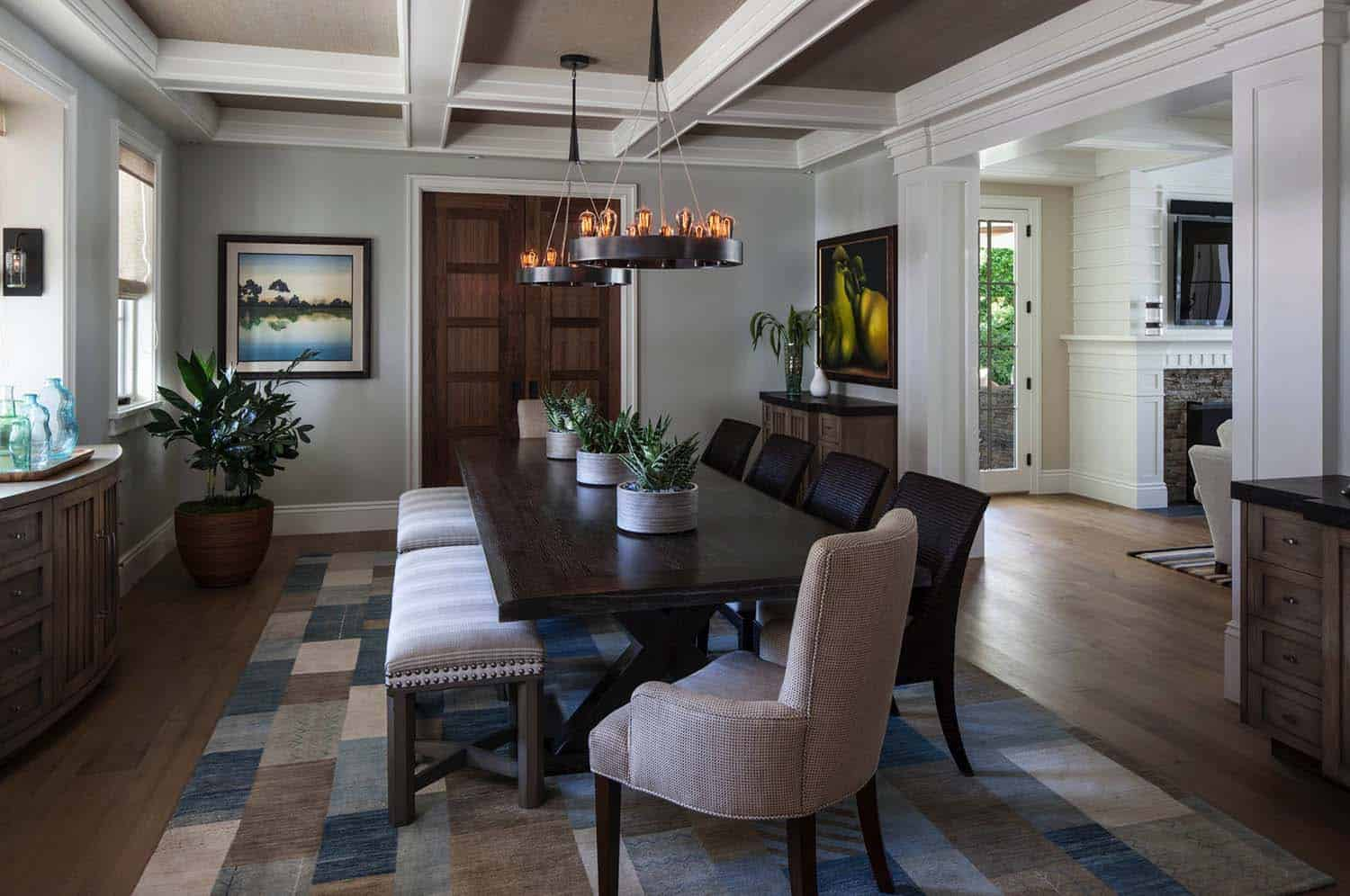 coastal-beach-style-dining-room