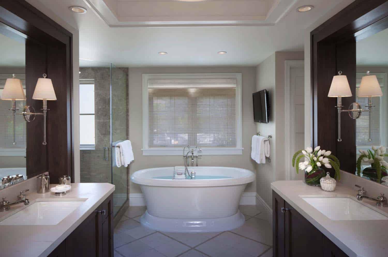 coastal-beach-style-bathroom