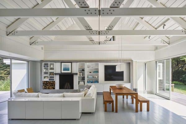 featured posts image for Serene lakefront home offers a beachy and casual feel on Lake Montauk