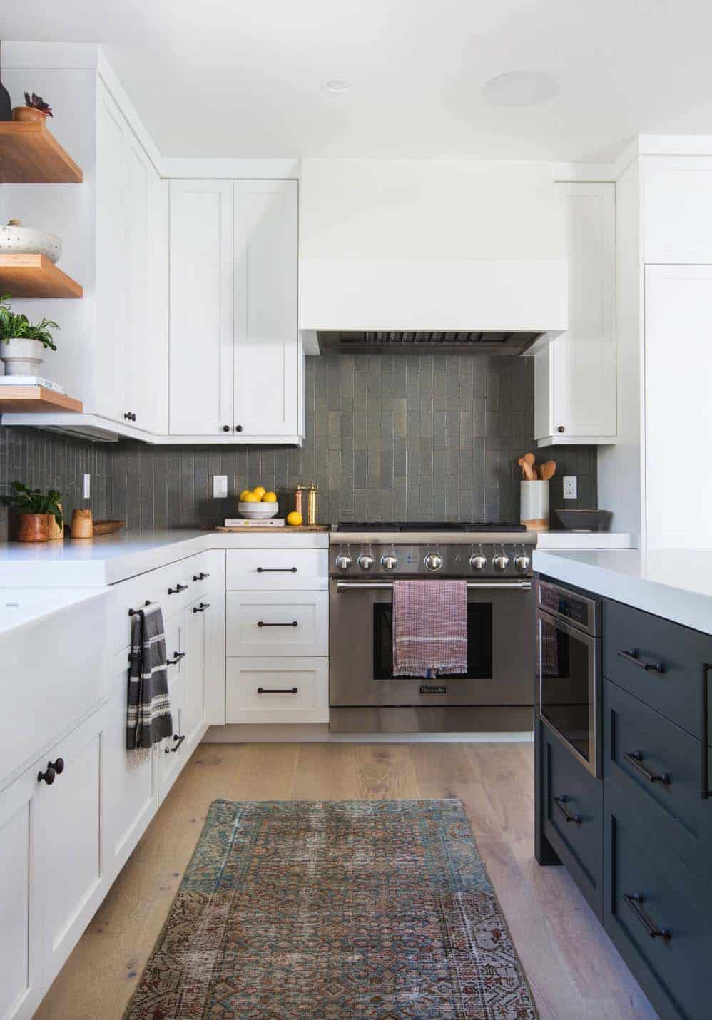 cape-cod-transitional-kitchen