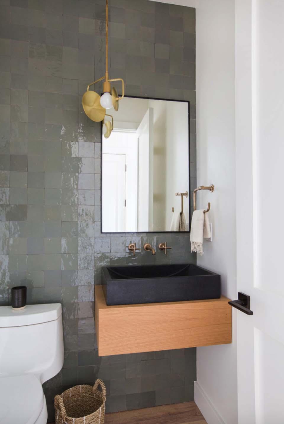 cape-cod-transitional-bathroom