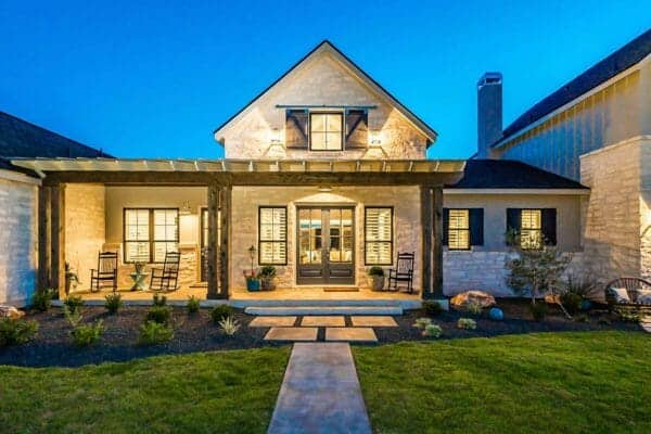 featured posts image for Farmhouse inspired home in Texas boasts warm and inviting design