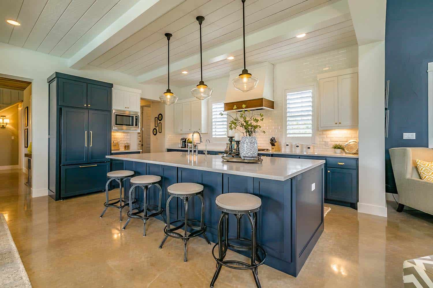 farmhouse-style-kitchen