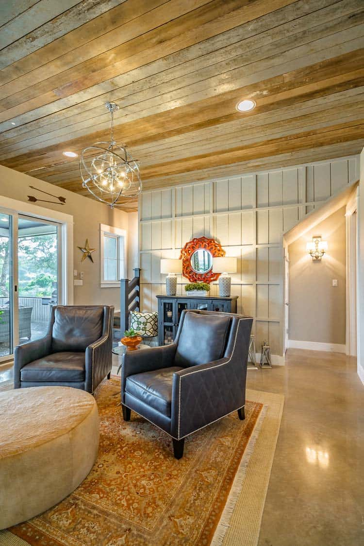 farmhouse-style-family-room