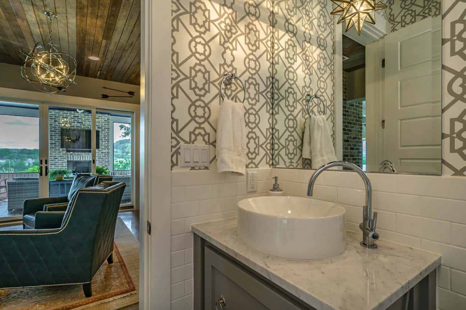 farmhouse-style-powder-bathroom
