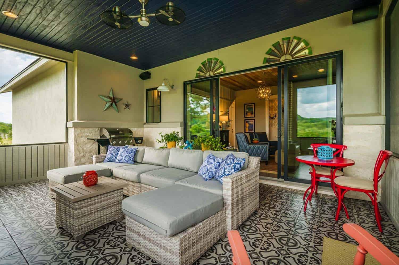 farmhouse-style-sunroom
