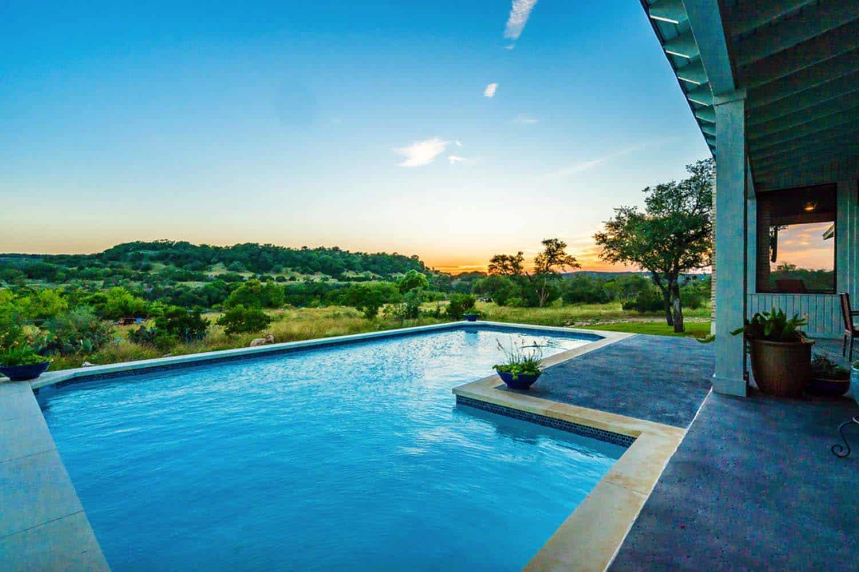 farmhouse-style-pool
