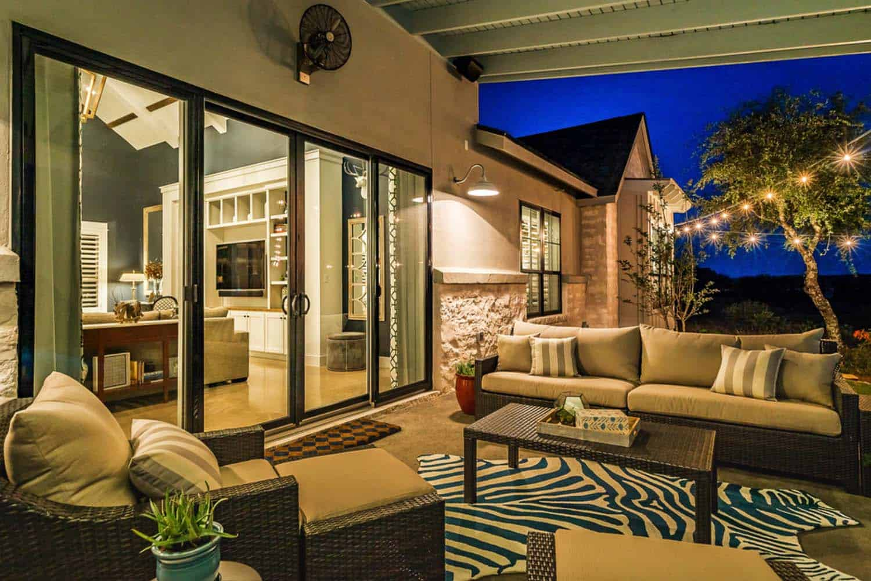 farmhouse-style-patio