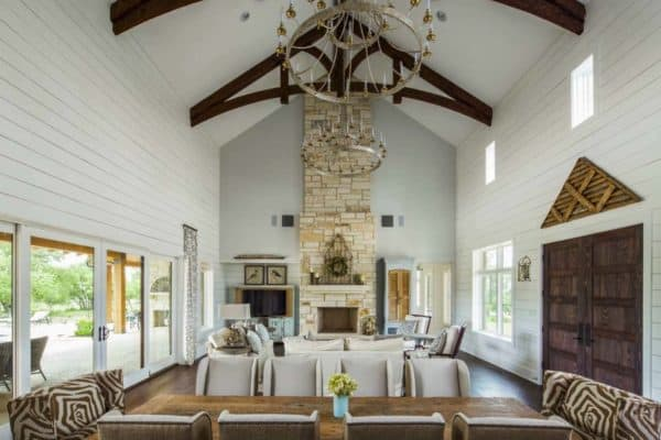featured posts image for Fabulous contemporary twist on the traditional Texas farmhouse