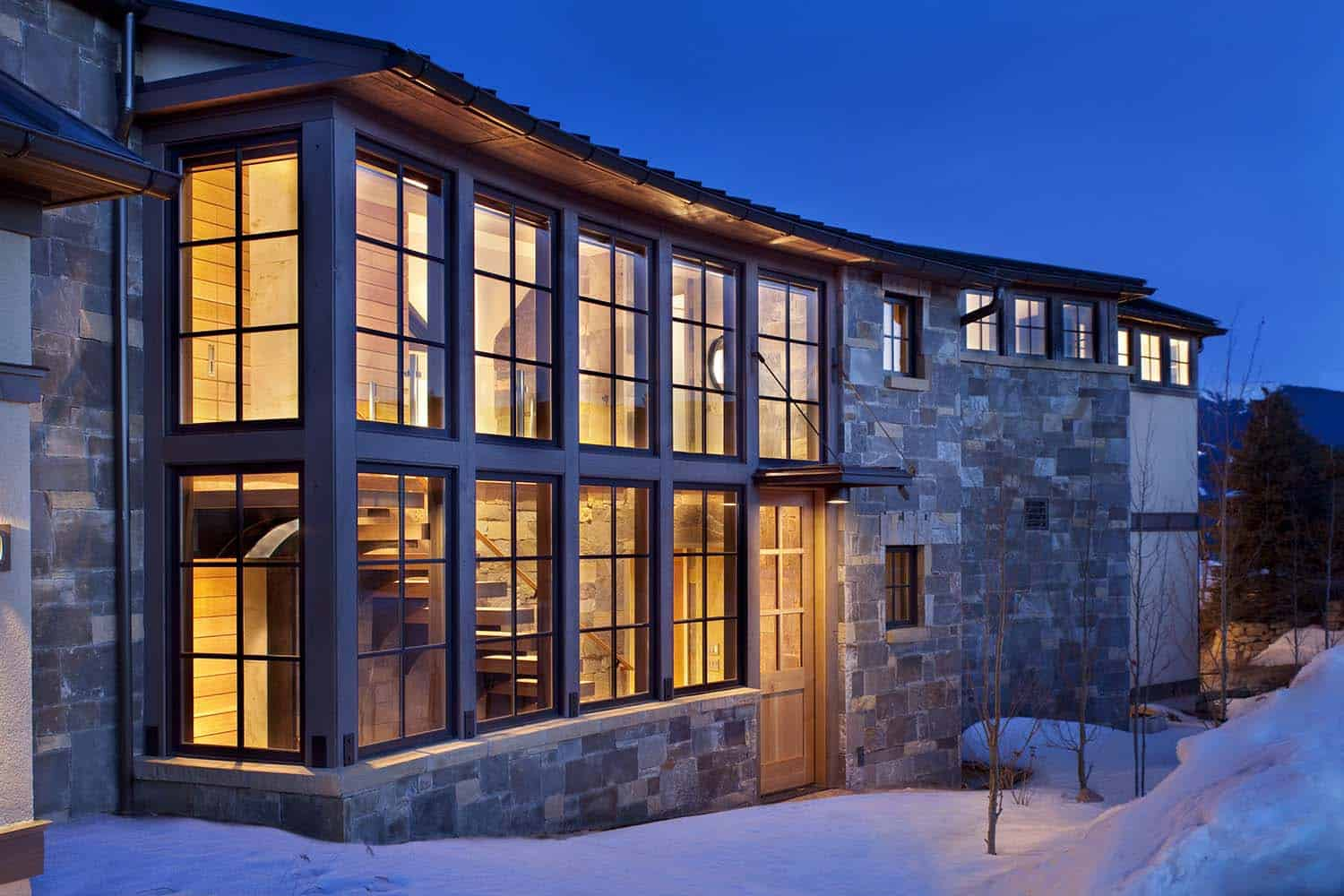 mountain-living-contemporary-exterior