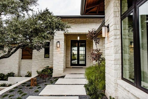 featured posts image for Sustainable home reflects a minimalist lifestyle in Texas Hill Country