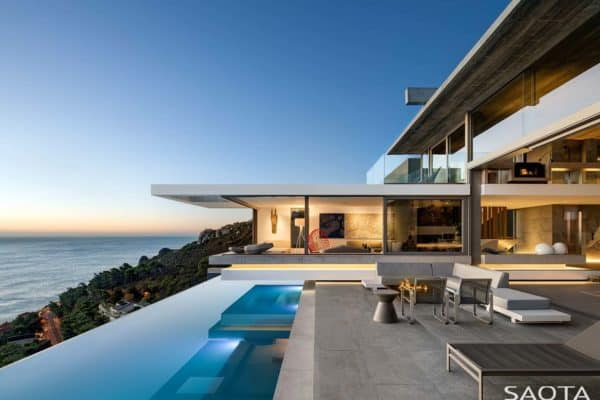 featured posts image for Striking hillside home overlooking the white sandy beaches of South Africa
