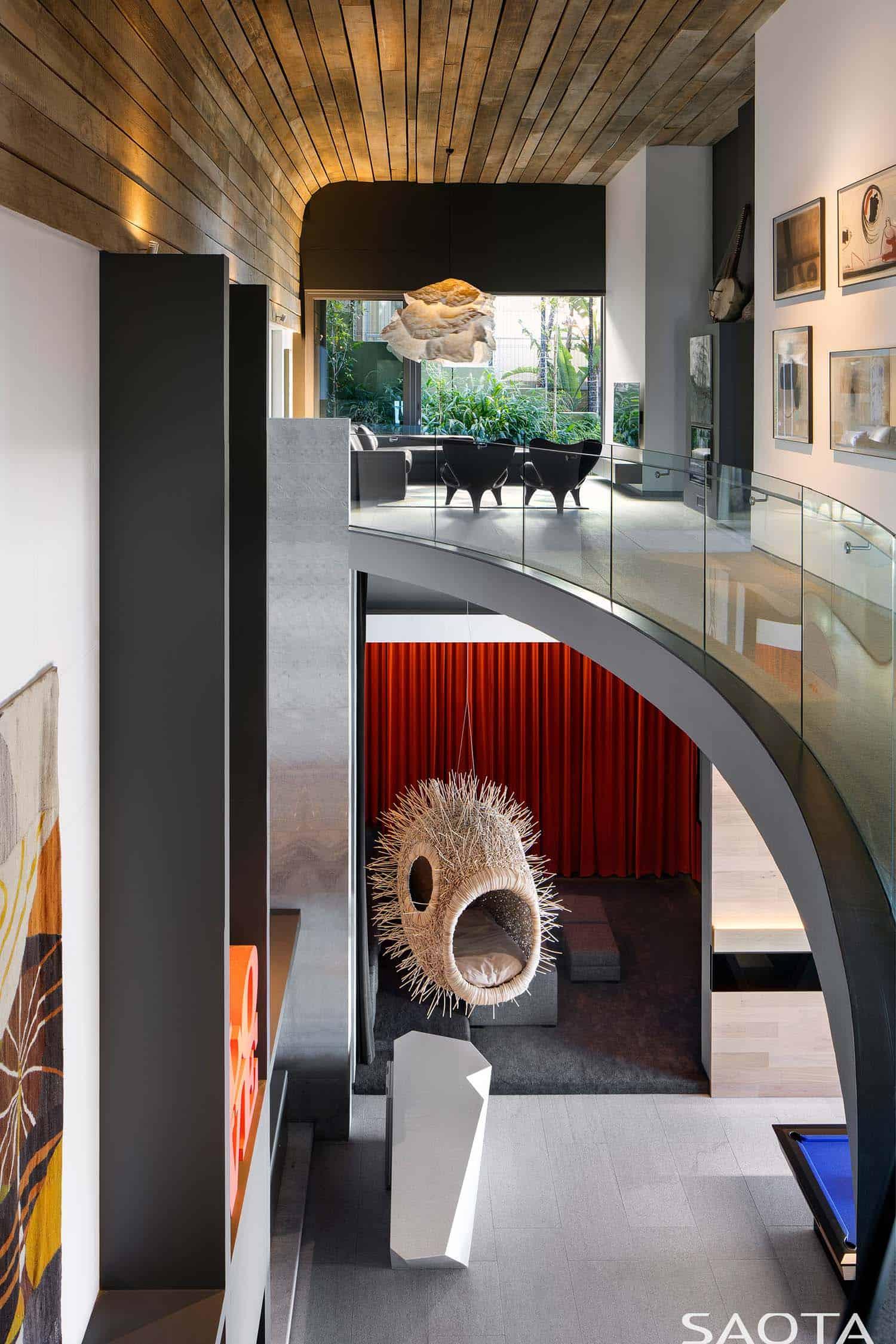 modern-home-hall