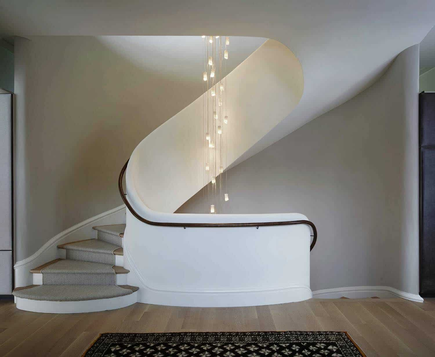 modern-lake-house-staircase
