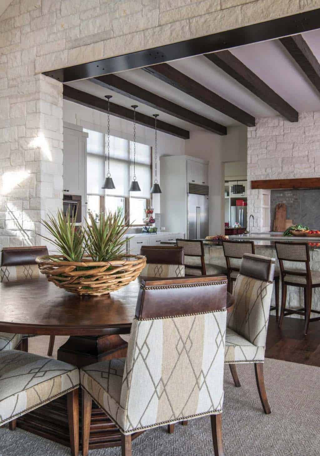 hill-top-ranch-dining-room