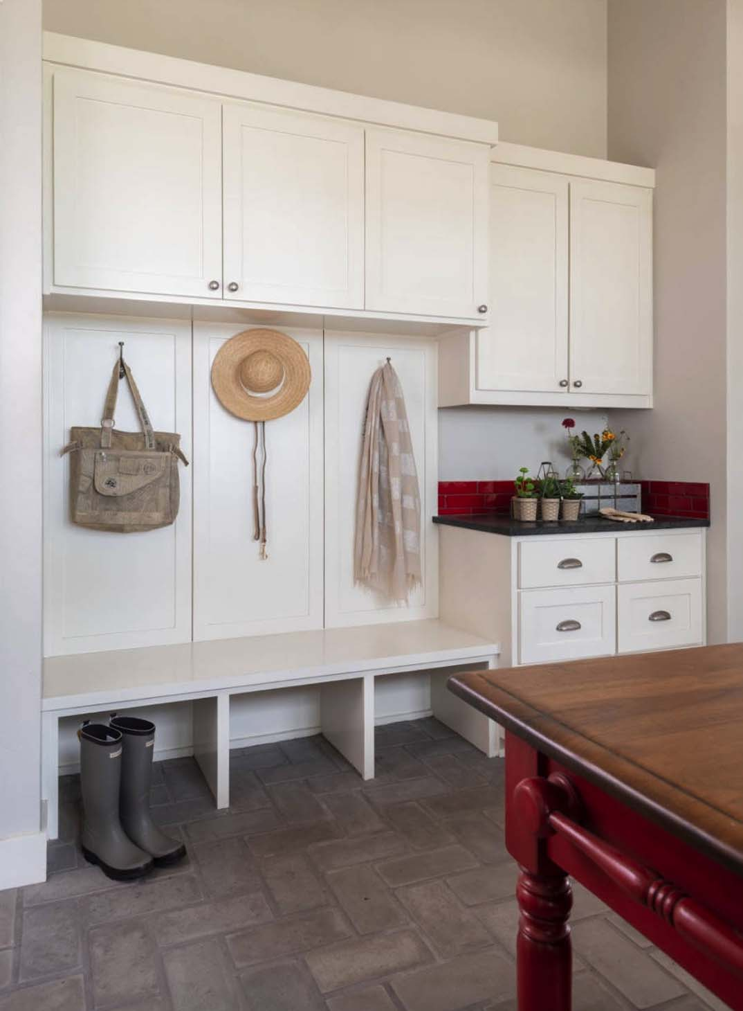 hill-top-ranch-laundry-room