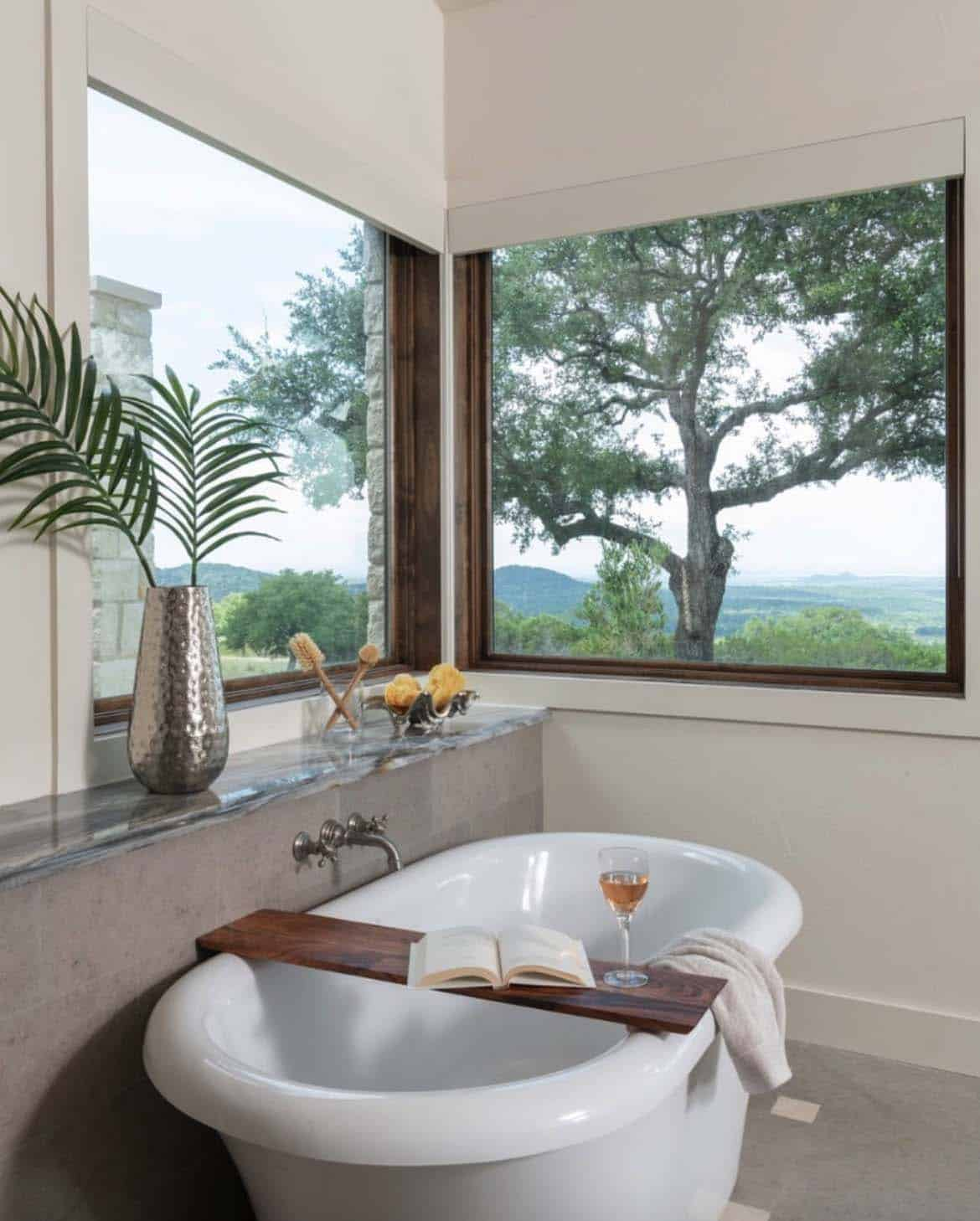 hill-top-ranch-bathroom
