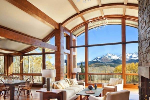 featured posts image for Fabulous mountain cabin in Colorado captures views of Mount Wilson
