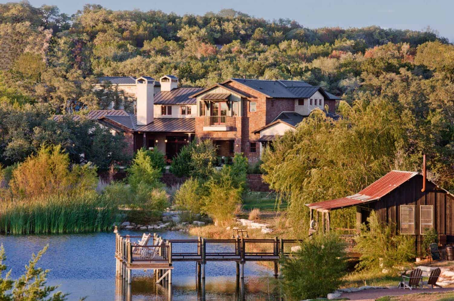 rustic-hill-country-exterior