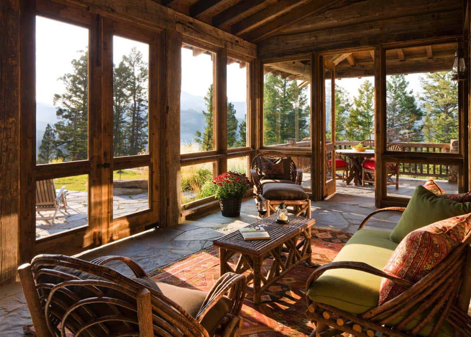 rustic-mountain-home-sunroom