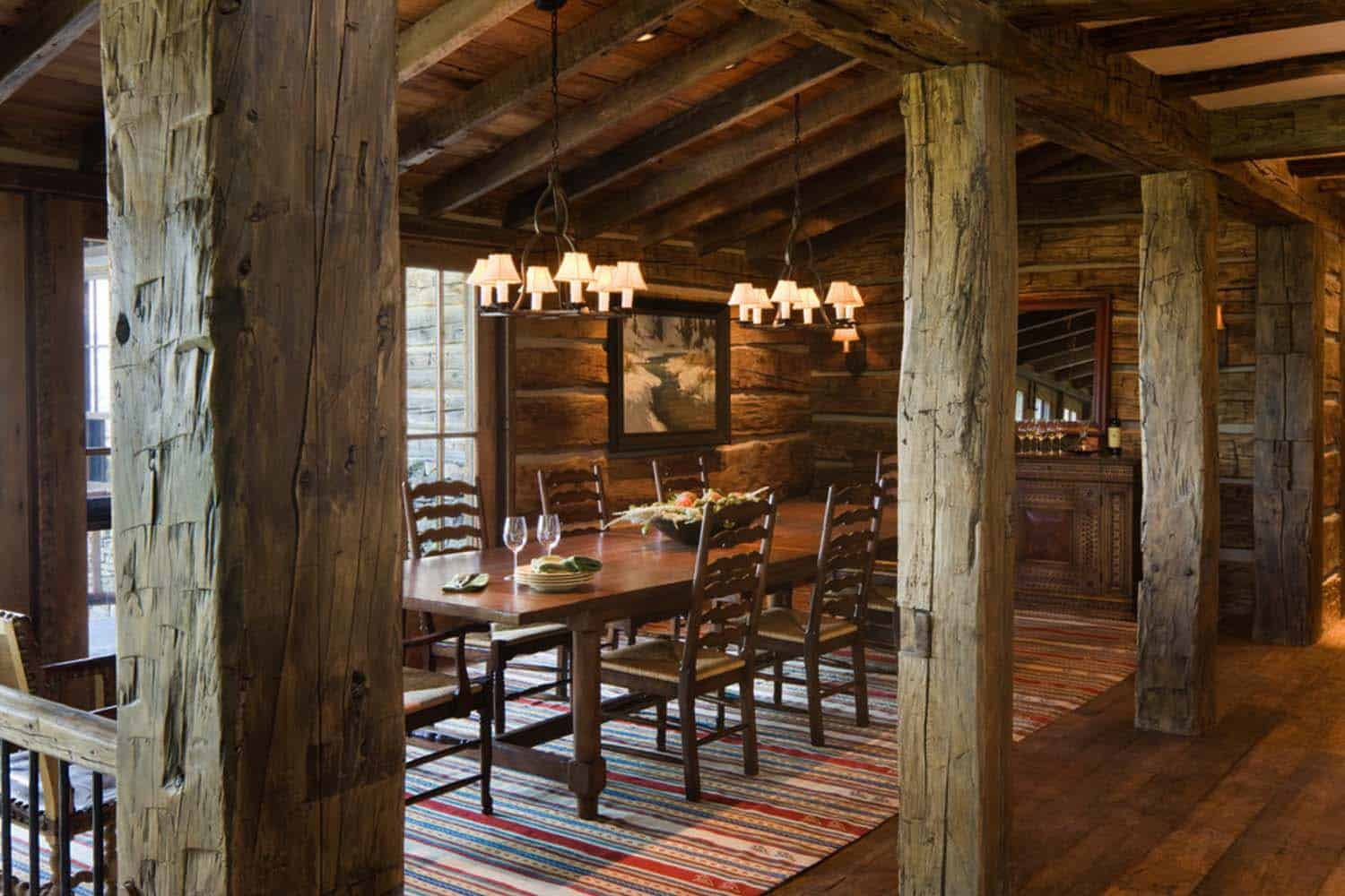 rustic-mountain-home-dining-room