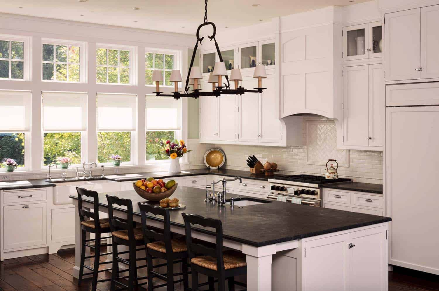 shingle-style-home-beach-style-kitchen